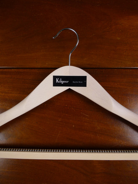 18/0017 immaculate modern kilgour savile row wooden suit hanger