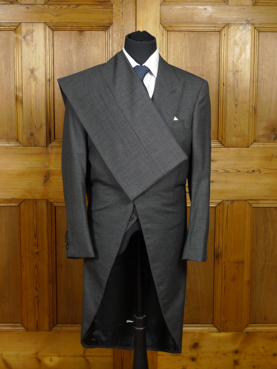 18/0153 stunning immaculate dege & skinner savile row bespoke grey pick weave 3-piece luxury worsted morning suit 34 short
