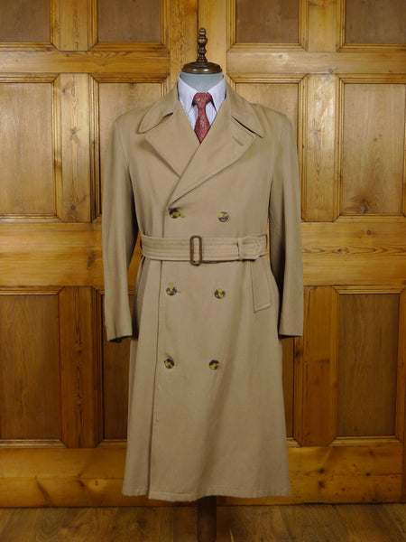 18/0182 wonderful genuine 1940s WW2 era (CC41 Utility Mark) gabardine d/b full-length trenchcoat raincoat mac 42