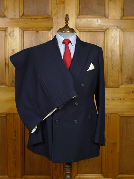 18/0196 vintage henry poole savile row bespoke navy blue worsted diagonal twill d/b suit w/ paisley linings 43 long
