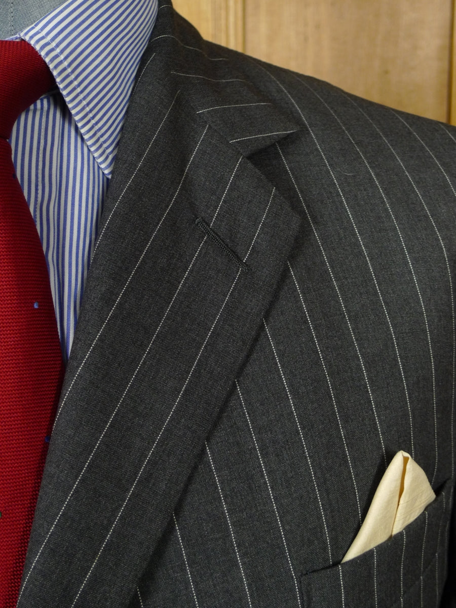 18/0321 anderson & sheppard savile row 2002 bespoke grey pin-stripe fine worsted suit w/ 2 pr trousers 43 long (portly cut)