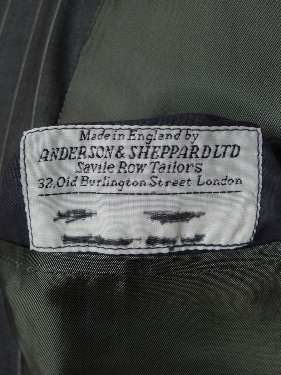18/0320 anderson & sheppard savile row bespoke pale grey pin-stripe fine worsted suit w/ 2 pr trousers 43 long (portly cut)