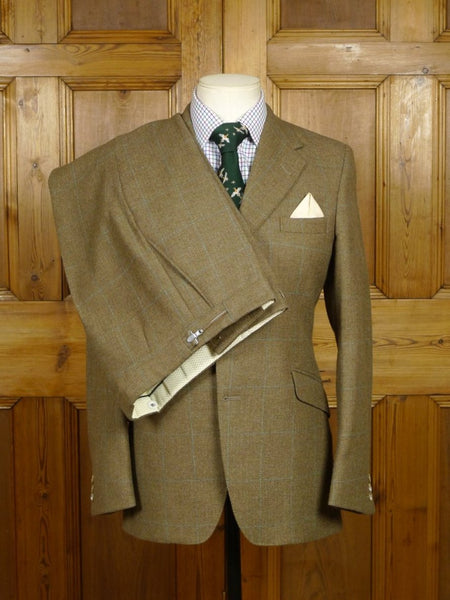 18/0683 near immaculate vintage haggart of aberfeldy green windowpane check tweed suit 36 short to regular
