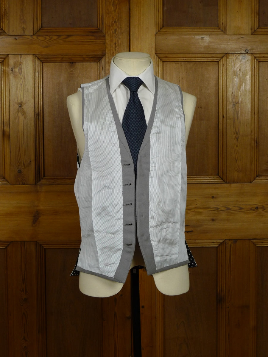18/0944w wonderful vintage n h chapman savile row bespoke morning waistcoat w/ polka dot back 36 long