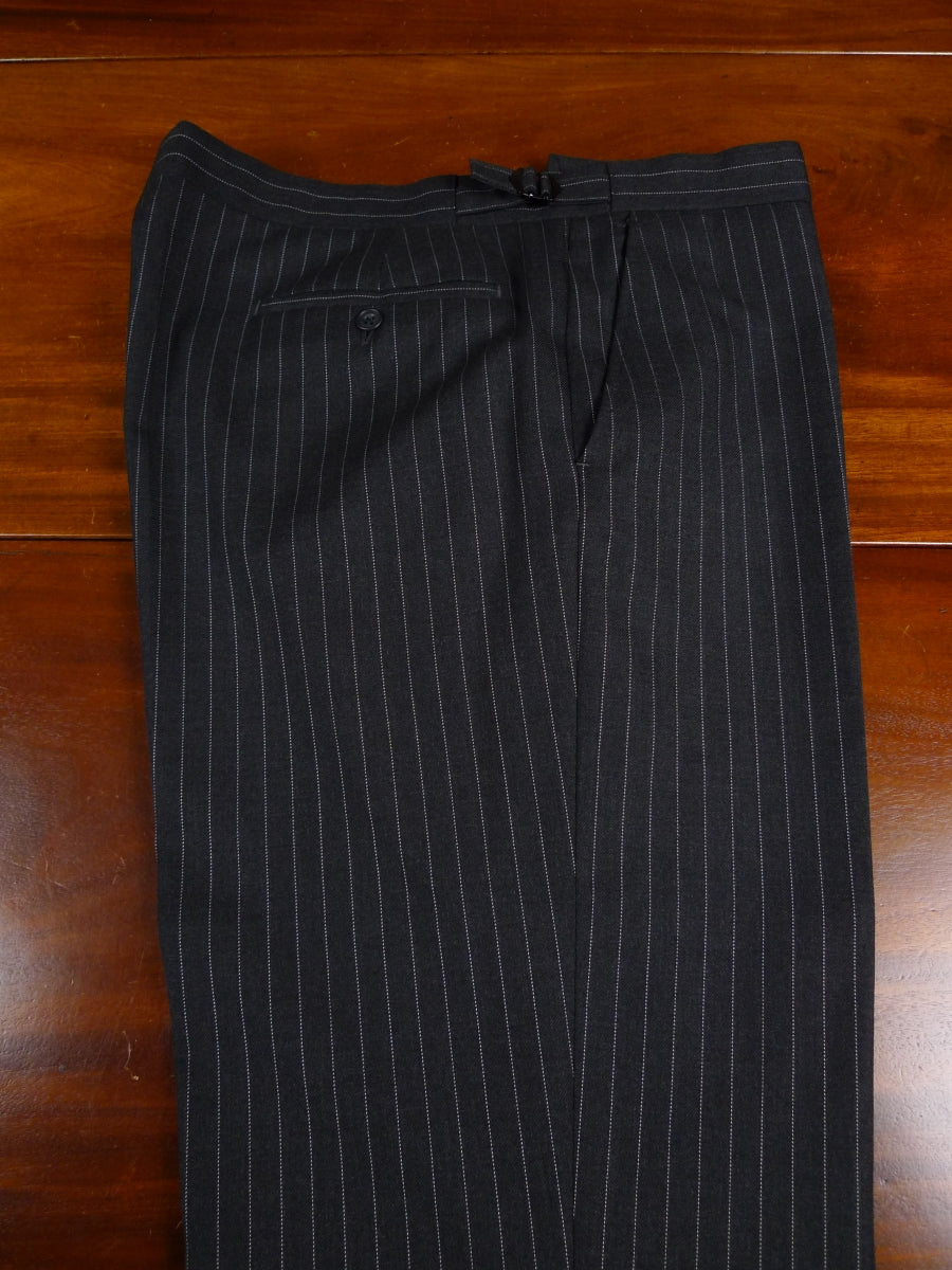 18/0982 gieves & hawkes savile row ready-made superfine wool grey pin-stripe suit 43 regular
