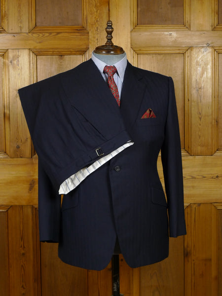 18/1377 near immaculate 2015 henry poole savile row bespoke navy blue herringbone wool suit 42 short