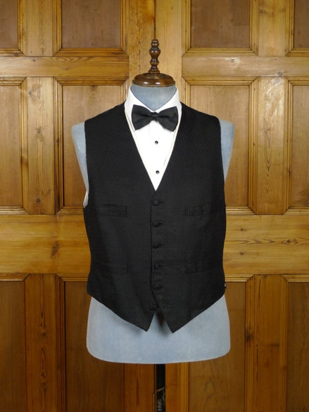 18/1530 superb henry poole savile row bespoke black textured silk evening waistcoat 44 regular