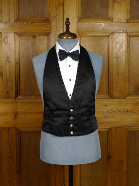 18/1672 immaculate vintage tailored black silk satin backless evening waistcoat 41-42