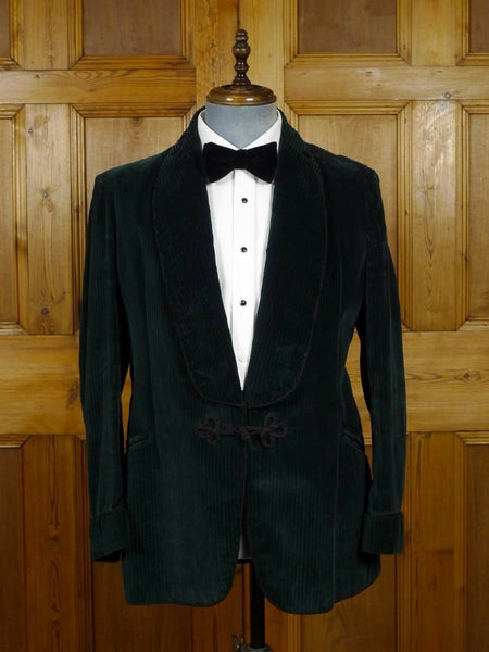 18/1692 wonderful 1950s 1960s vintage green corduroy smoking jacket 40 regular