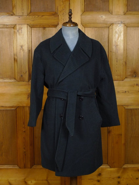 19/0070 immaculate genuine 1960s vintage hardy amies 2-tone blue check wool & cashmere belted wrap style coat overcoat 44