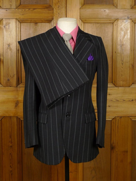 19/0122 wonderful genuine 1970s vintage wide lapel / flared leg black red & white stripe suit 34 / boys