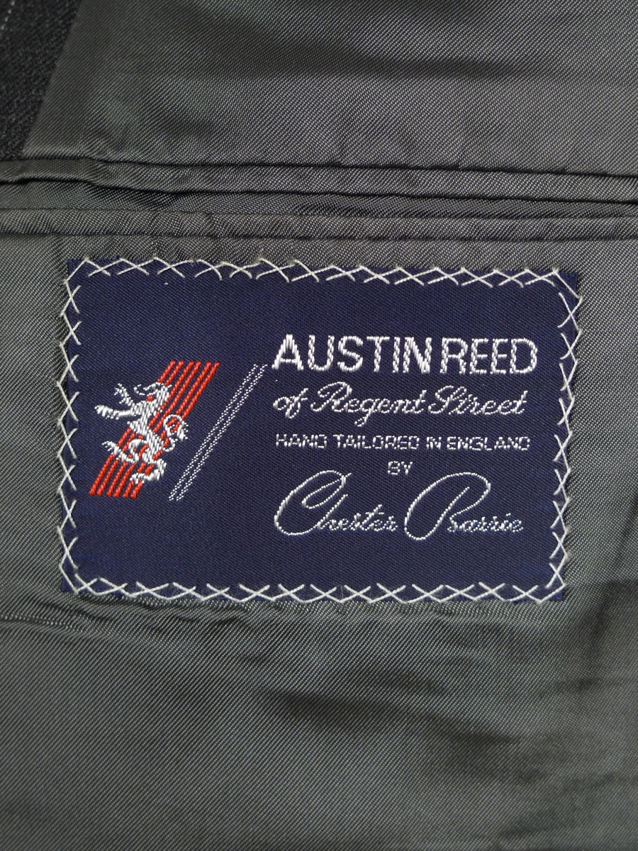19/0143 vintage austin reed grey pin-stripe wool suit 45 short
