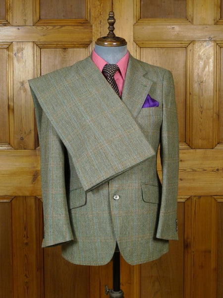 19/0180 immaculate genuine 1970s green wp check wide lapel / flared leg suit 39-40 short