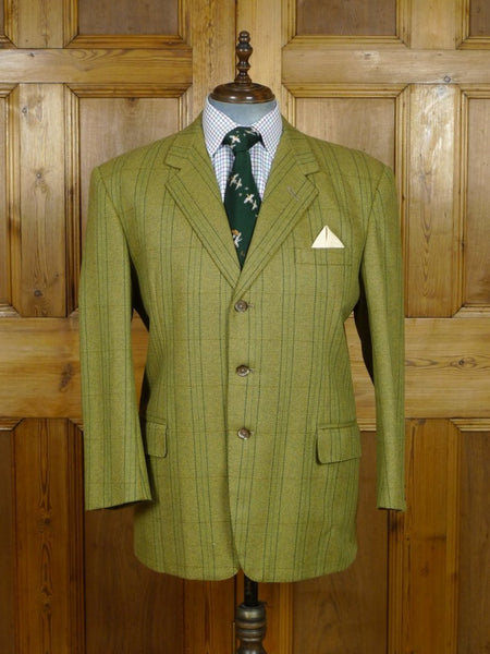 19/0246 immaculate vintage british bespoke tailor canvassed green check tweed jacket 46 short