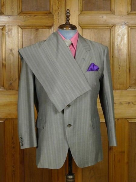 19/0293 near immaculate vintage bespoke tailor canvassed grey / red stripe wool & mohair suit 46 short