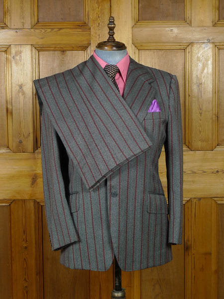 19/0292 wonderful vintage bespoke tailor canvassed grey / red stripe wool twist wide lapel / wide leg suit w/ red patterned linings 43 short to regular