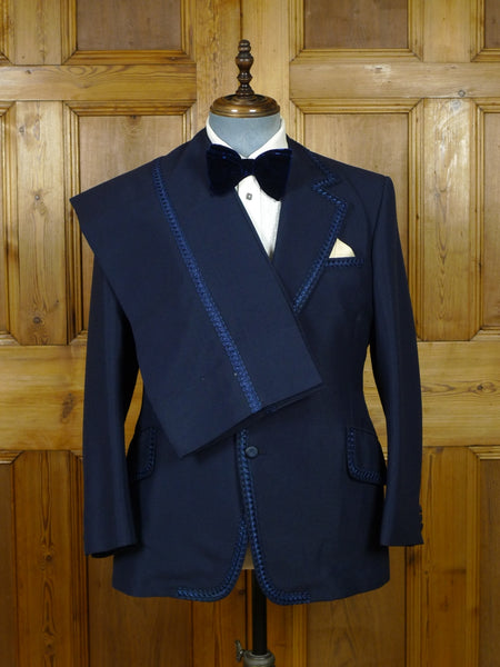 19/0375 wonderful late 1960s / early 1970s blue mohair 3-piece dinner suit - fabulous detailing - 40 short
