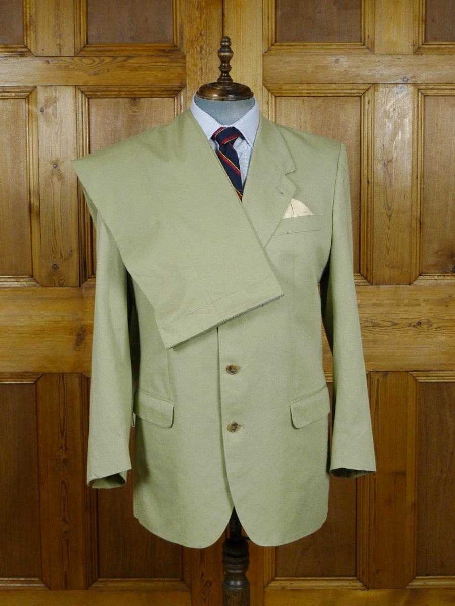 19/0458 james & james mayfair john g hardy pale green cotton suit w/ working cuff 44 long