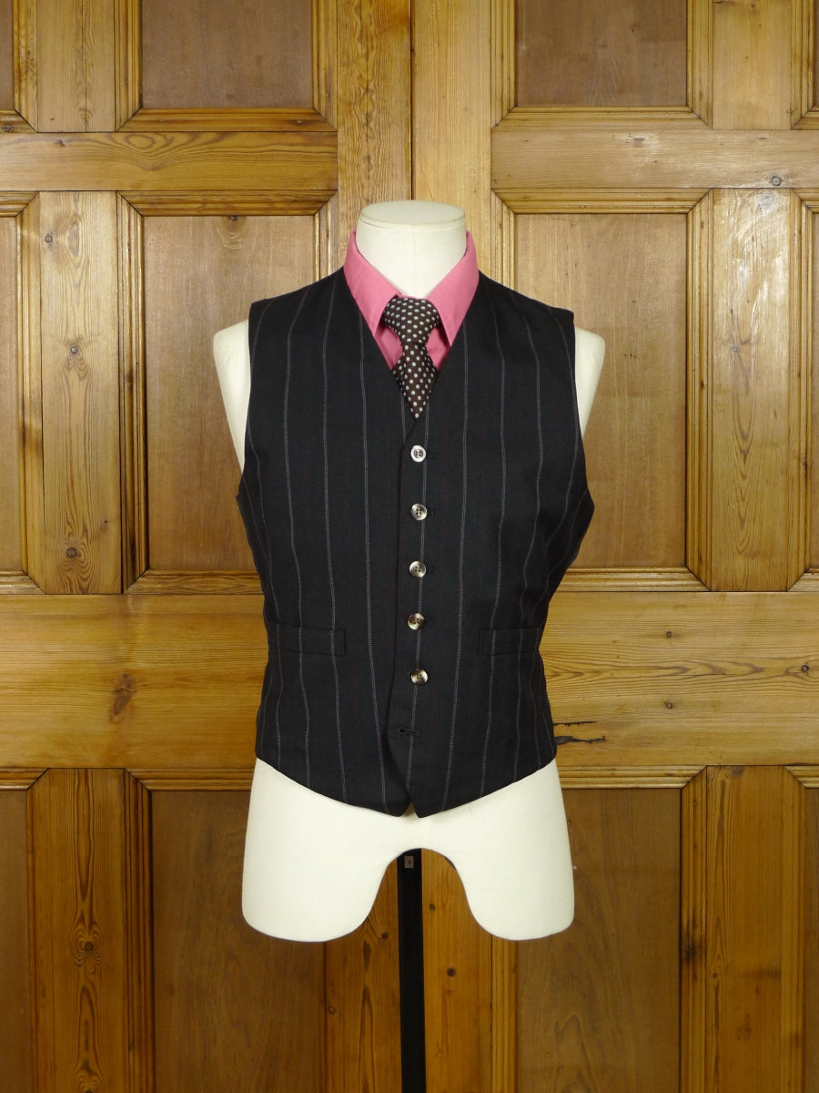 19/0485 wonderful genuine 1970s wide lapel suit jacket & matching waistcoat 38 short