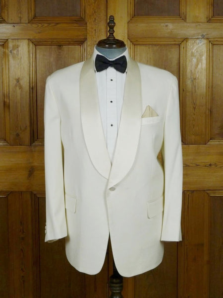 19/0554 superior far east tailor ivory white / silk shawl dinner jacket 48 short to regular (portly cut)