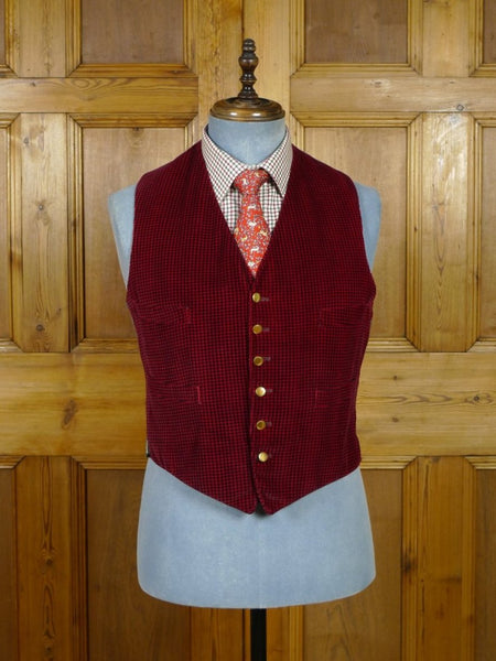 19/0601 wonderful genuine 1950s 1960s vintage red & black check velvet waistcoat 40 short