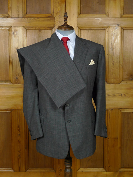 19/0775 near immaculate modern malcolm plews savile row bespoke grey / red prince of wales check wool suit 47 regular (portly cut)