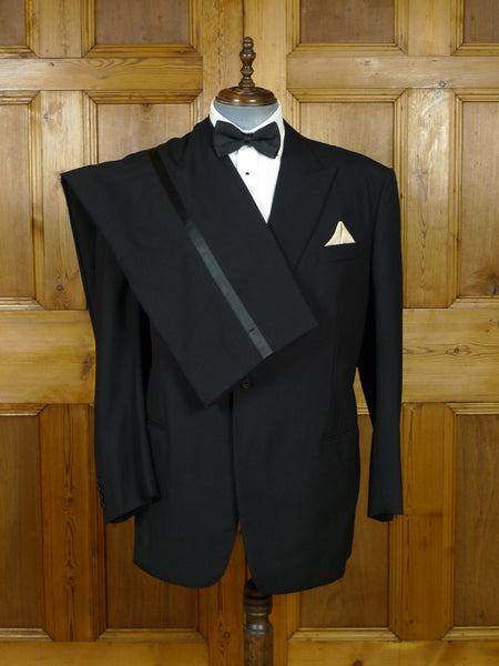 19/0782 immaculate welsh & jefferies 2011 savile row bespoke lightweight black wool / grosgrain silk dinner suit 49-50 regular (portly cut)