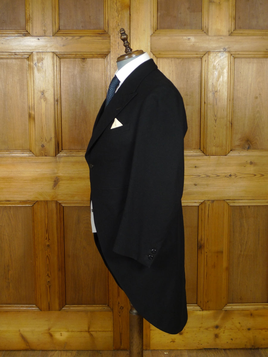 19/0957 immaculate vintage genuine 1920s 1930s black wool morning coat 40 short (portly cut)