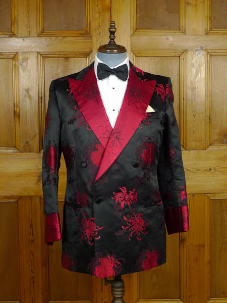 19/0947  immaculate vintage norton & sons savile row bespoke silk brocade smoking  jacket 42 regular