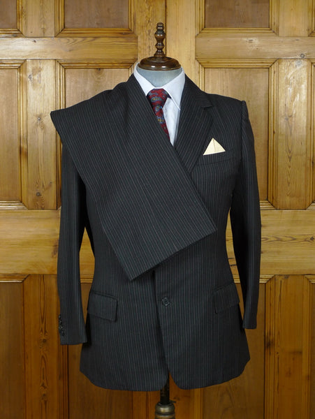 19/0964 beautiful 1981 vintage norton & sons savile row bespoke paisley lined grey / red pin-stripe suit w/ matching tie 42 regular