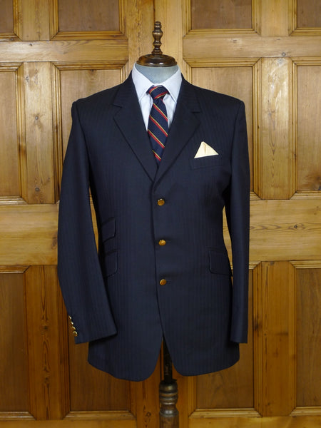 19/1019 near immaculate roderick charles navy blue herringbone wool blazer w/ contrast linings 43 long