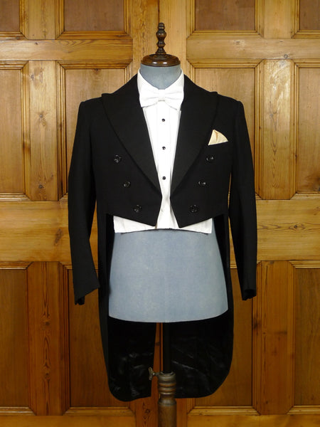 19/1264 genuine 1930s 1940s vintage black worsted twill / grosgrain silk evening tailcoat 40 short