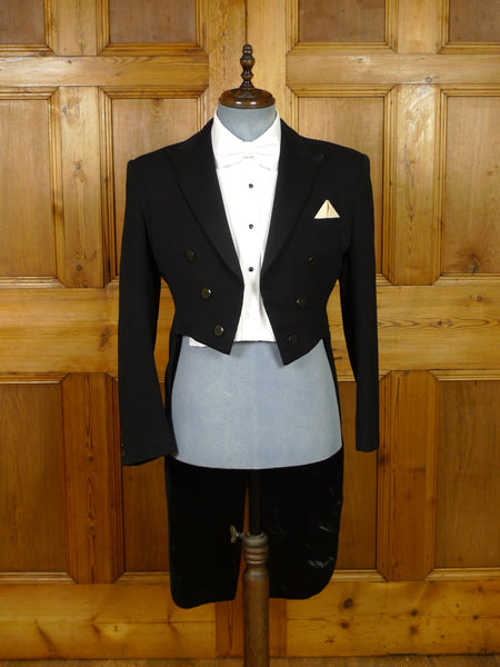 19/1265 genuine 1930s 1940s vintage black barathea wool / satin silk evening tailcoat 40 regular