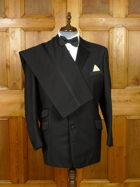 19/1277 near immaculate modern bespoke tailor canvassed black mohair dinner suit w/ contrast linings 46 regular