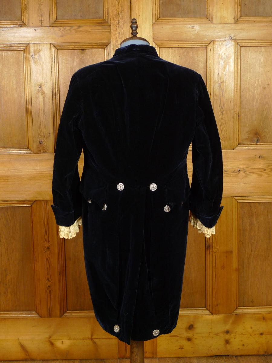 19/1517 amazing late 1800s midnight blue silk velvet 3-piece court suit 38-39 short (restoration project)