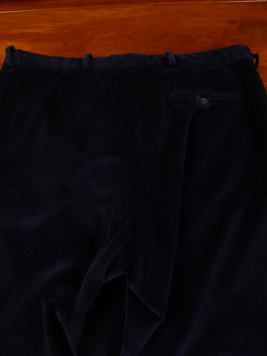 19/1321 immaculate quality navy blue corduroy trouser w