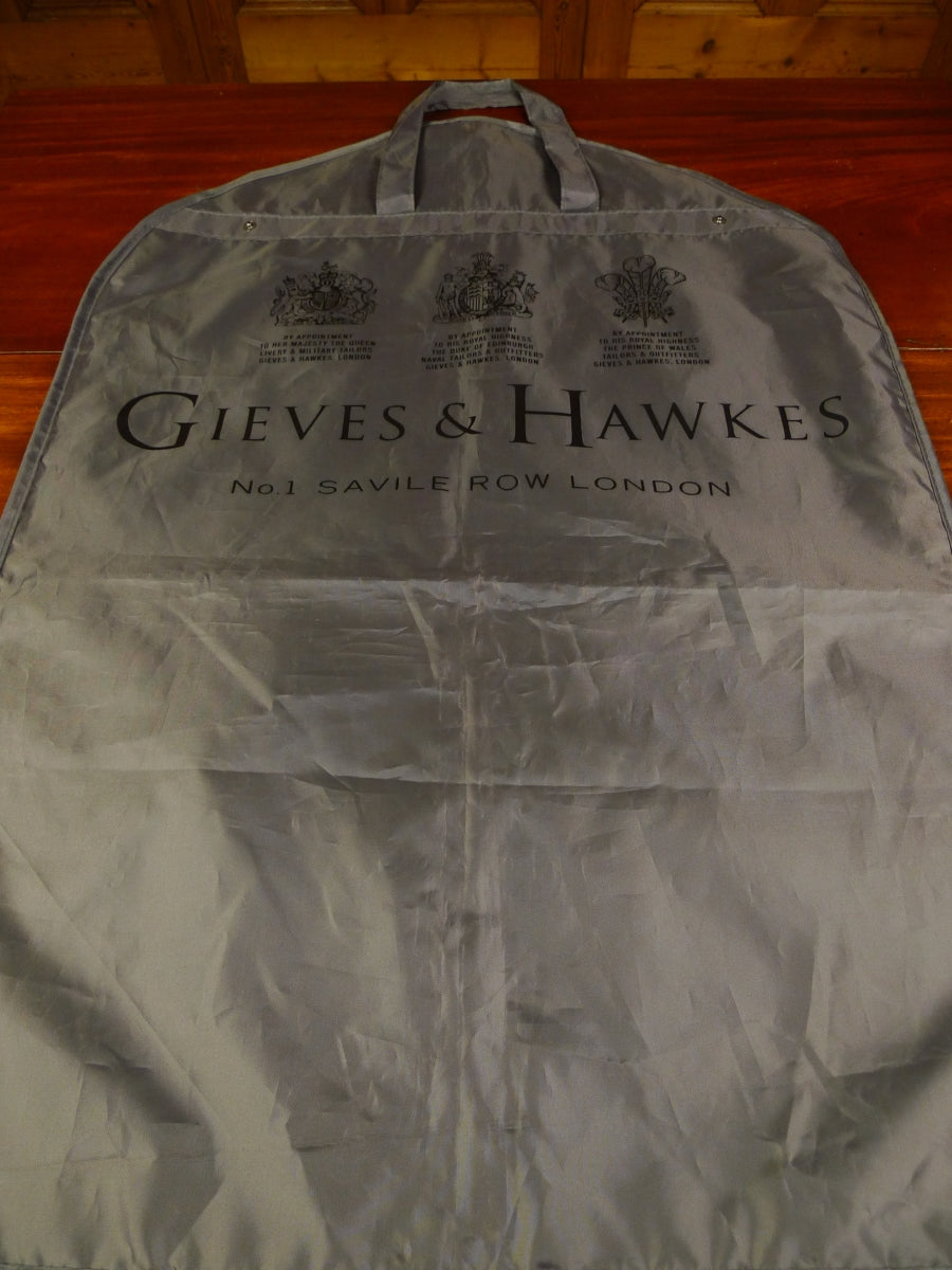 19/1509 gieves & hawkes savile row grey woven plastic suit carrier bag