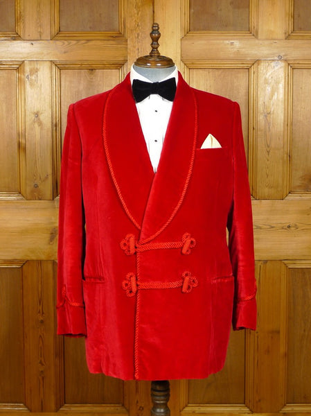19/1393 stunning 1992 welsh & jefferies savile row bespoke scarlet red velvet smoking jacket w/ frogging 45-46 regular