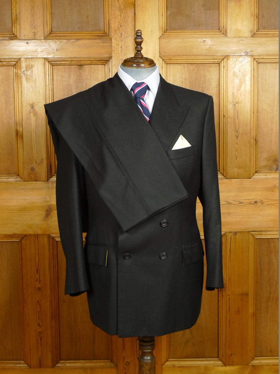 19/1436 immaculate 2013 welsh & jefferies savile row bespoke black worsted d/b suit w/ gold linings 45-46 short to regular