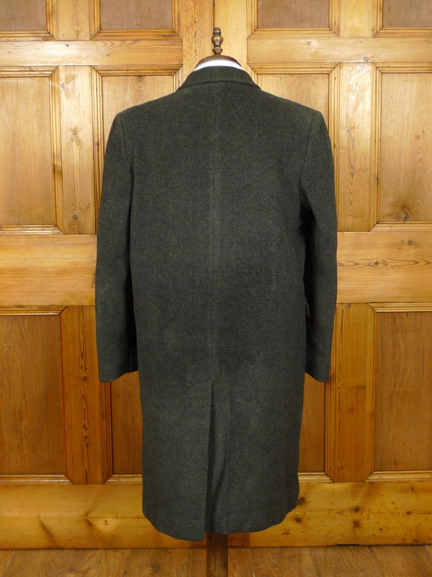 19/1474 genuine 1960s vintage heavyweight grey elysian wool overcoat w/ gauntlet cuff 41-42