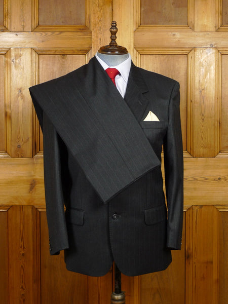 19/1556 burberry's charcoal grey pin-stripe wool suit w/ suit carrier 42 regular