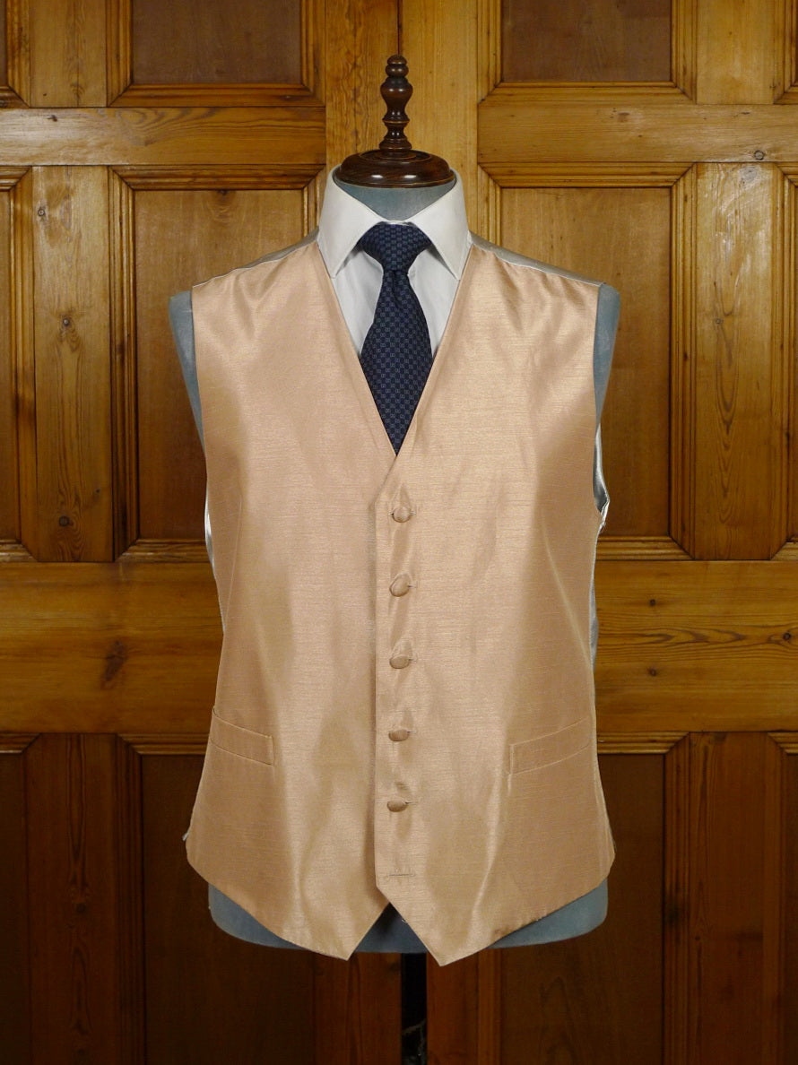 19/1574 Lloyd Atree Smith buff polyester wedding waistcoat 46
