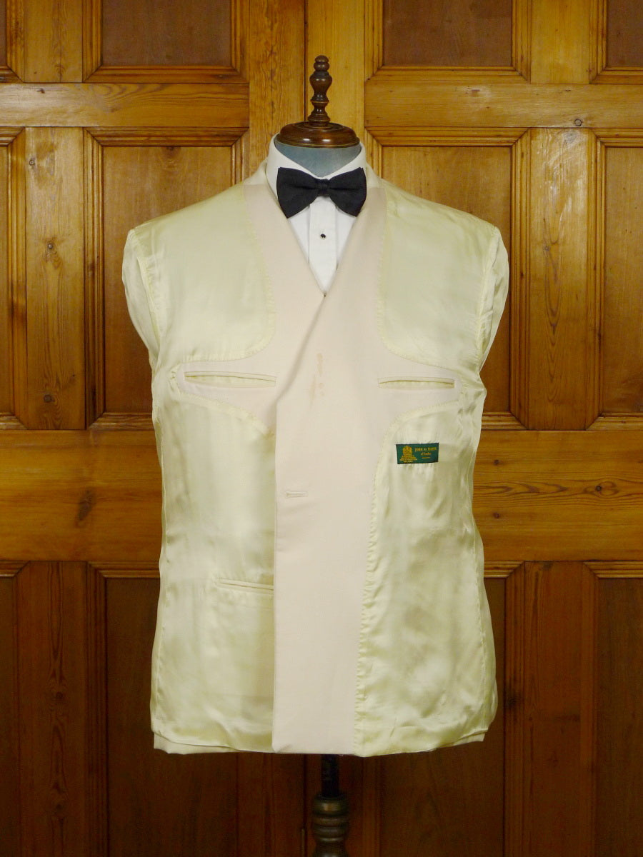 19/1604 john g hardy ivory white wool / silk satin d/b dinner jacket 47-48 short