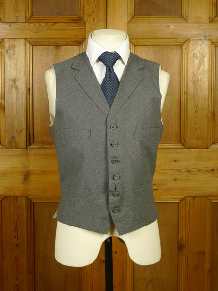 19/1674 vintage 1978 gieves & hawkes grey worsted flannel waistcoat 39 short