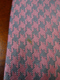 19/1701 harvie and hudson pink / silver houndstooth pattern 100% silk tie