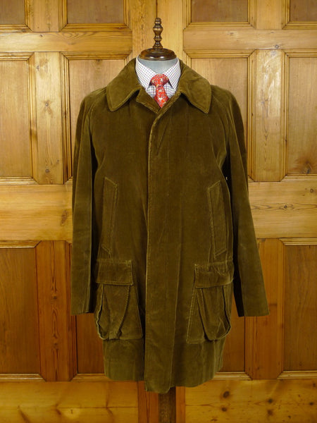 20/0096 wonderful vintage invertere heavyweight brown corduroy field / shooting coat 44-46