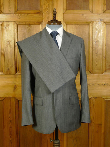 20/0104 immaculate modern aquascutum grey graph check 100% wool suit (rrp £700) 41-42 regular