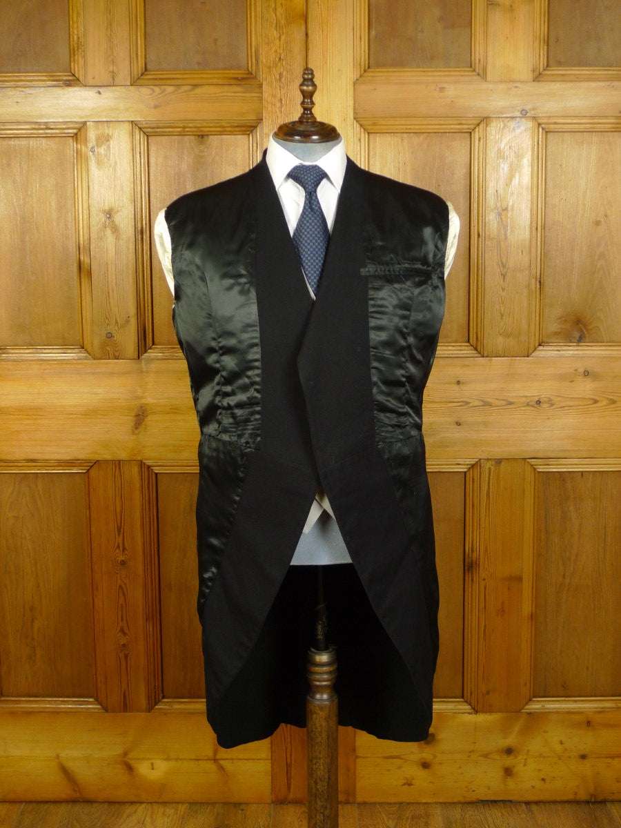 20/0121 near immaculate vintage bespoke tailor canvassed black worsted morning coat 46 regular