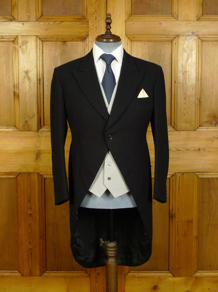 20/0122 immaculate vintage london tailor canvassed black herringbone worsted morning coat 39-40 short