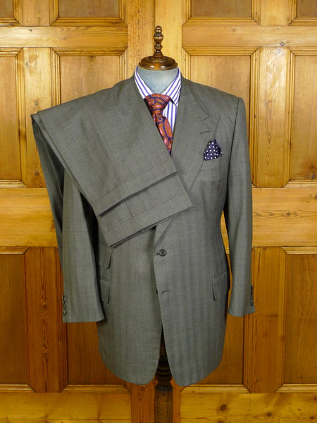 19/0585 near immaculate edward sexton savile row bespoke grey / blue pin-stripe wool suit w/ 2 pair trs 46 long